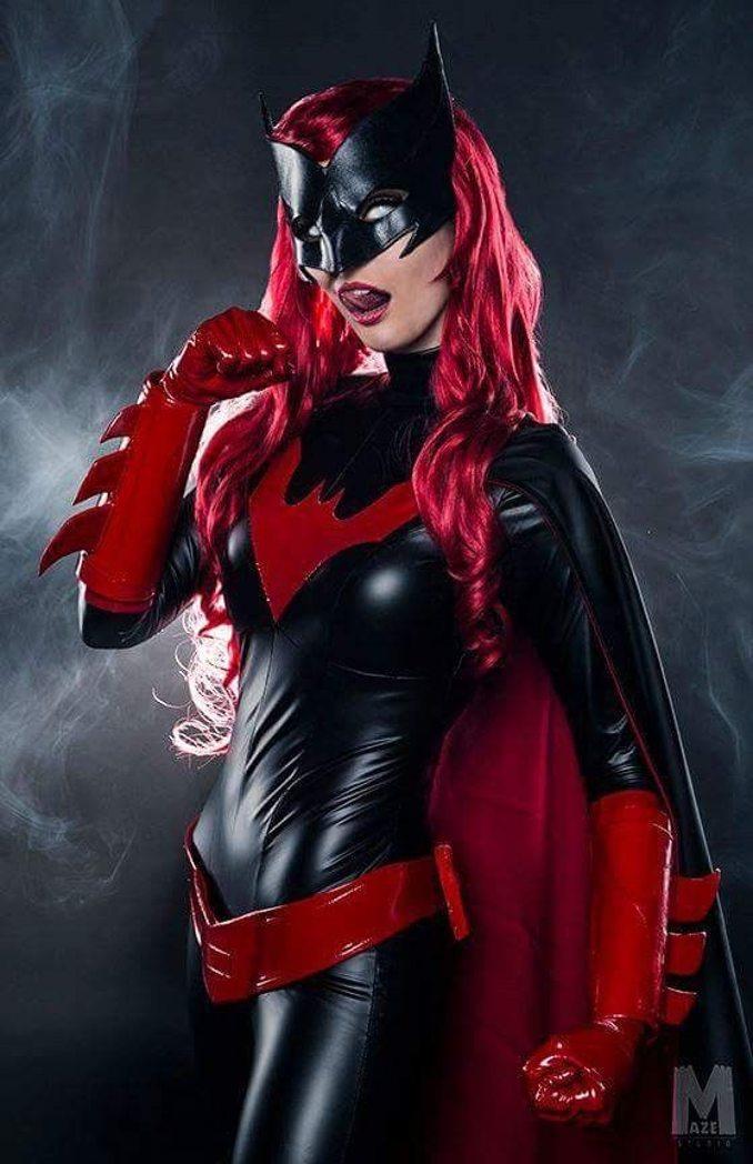 Batwoman Kate Kane ByndoGehk