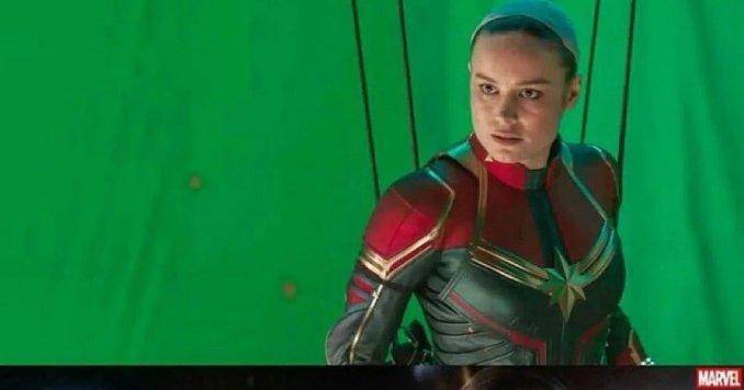 Captain Marvel Brie Larson fond vert